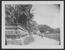 Street leading to Dalada Malagawa - Temple of the Sacred Tooth 1895